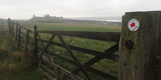 3-2-1 way marker at Dunstanburgh Castle